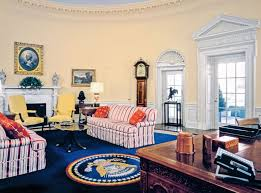 picture of oval office. president bill clinton in office 19932001 picture of oval