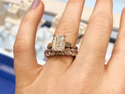 Engagement Ring Carat Size Chart Diamond Engagement Rings At Every Carat Size Who What Wear
