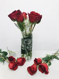custom engraved vase and 6 or 12 roses for your valentine
