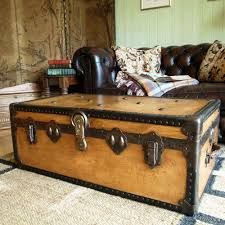VINTAGE STEAMER TRUNK 30s travel trunk INDUSTRIAL CHEST coffee table  BLANKET BOX