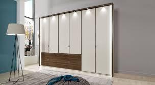 Schlafzimmerschrank Mit 60 Cm Tiefe In Cremeweiß Akola
