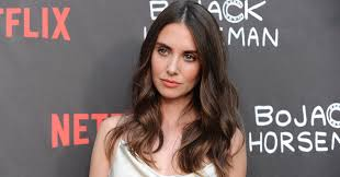 Alison Brie Clarifies Entourage Audition Story UPDATE HuffPost