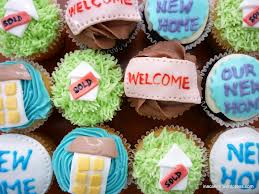 house warming cakes or cupcakes