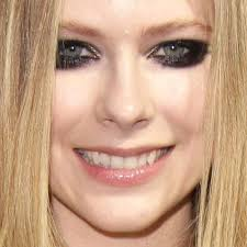 avril lavigne s makeup photos s steal her style page 2