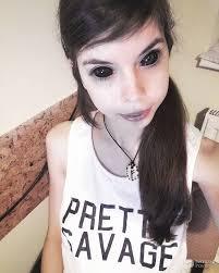 юная полячка лишилась зрения из за татуировки на глазах