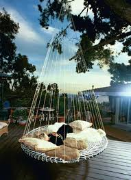 19 Relaxing Suspended Outdoor Beds That Will Transform Your Summer  homesthetics decor (3)