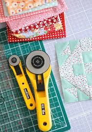 MessyJesse - a quilt blog by Jessie Fincham: Tips on Accurate ... & First off, it may sound obvious – but is there enough light where you are  cutting and sewing? I added in two Ikea Jansjo spotlights over my desk last  year ... Adamdwight.com