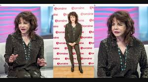 Stockard Channing shocks fans with appearance on Lorraine - YouTube