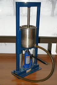this is the best manual hydraulic press that i have come across so far it works very well but has two design flaws firstly it is too top heavy and