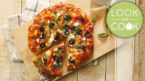 How To Cook A Pizza Bell Pepper Olive Pizza Recipe Look And Cook Step By Step