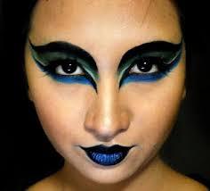 raven bird eye makeup photo 18