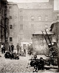 clyde built thomas annan s the old closes and streets of glasgow a sampling of annan s work in the old closes and streets which will be discussed in a a later section of the essay figures 36 39 41 left old vennel