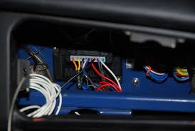 megajolt installation on an mgb how to library the mg experience ford edis control unit mounted behind the mgb glovebox