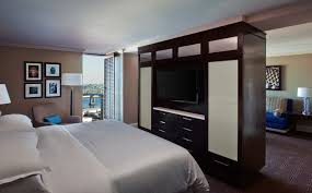 New Orleans Hotel Suites 2 Bedroom New Orleans Hotel Accommodations Executive Suite Sheraton New