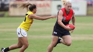 AFL: AFLW Daisy Pearce backs Hannah Mouncey