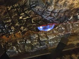 pilot light on gas fireplace le