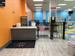 hop n play front check in area