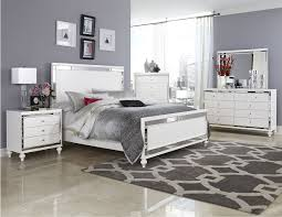 Mirrored Bedroom Suite The Matters To Be Considered In Mirrored Bedroom Furniture Sets