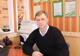 Сергей Кондаков Краснодипломники не могут и не хотят молчать  Русский академический фонд предлагает запретить выезд за границу выпускникам вузов получившим красный диплом Омский политик прокомментировал эту идею