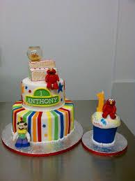 10 Elmo Theme Birthday Cupcakes Photo Elmo First Birthday Smash