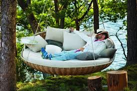 15 Outdoor Relaxing Hanging Daybeds