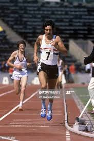 Bernie Ford running the Men's 10,000 metres. News Photo - Getty Images