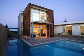 houses | Main Characteristics of Modern Houses | Backyard House ...