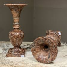 Пара старинных декоративных ваз из сицилийской яшмы, период дирекции |