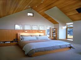Inspiration Schlafzimmer Prächtigen Hölzernen Schräge Decke Mit