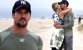Here are the five things that justin james says he can't live without 4. James Maslow Packs On The Pda With Girlfriend Caitlin Spears While On A Beachside Run Daily Mail Online