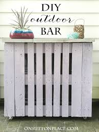diy pallet outdoor bar tutorial with pictures to make a cute pallet bar for your