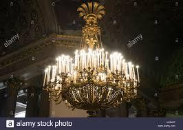 Kronleuchter Mit Kerzen In Der Kasaner Kathedrale Stockfoto
