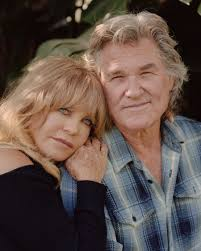Kurt russell originally had his sights set on being a professional baseball player. Kurt Russell And Goldie Hawn A K A Mr And Mrs Claus The New York Times