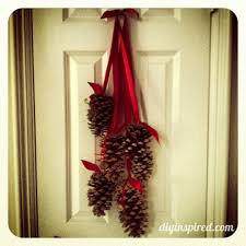 Pine Cone Christmas Decorations Christmas Decoration With Pine Cones Ideas Decorating Holiday Idolza