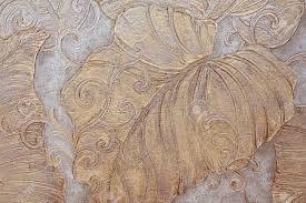 In Reliëf Gemaakt Bloemenpatroon Op Behang Royalty Vrije Foto