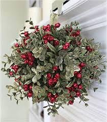Best 25+ Kissing ball ideas on Pinterest   Make your own wreath ...