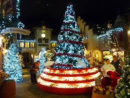 Yankee Candle Christmas Tree Lighting Free Admission At Yankee Candle Village In South Deerfield