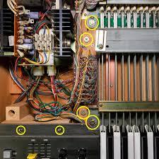 yamaha cs 80. yamaha cs-80 keyboard holding screws left side cs 80