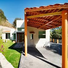 A telha ondulada em média r$10,00. 14 Garagens De Madeira Para Casas Grandes Ou Pequenas Homify
