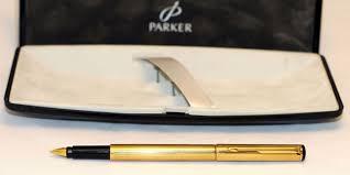 Что подарить научному руководителю обзор памятных женских или  Ручка Паркер и футляр