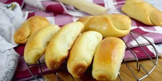 Di negaranya, roti ini dikenal juga dengan nama roti hokkaido. Japanese Milk Bread Recipe How To Make The Softest Bread Ever