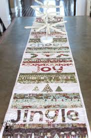 20 DIY Quilted Table Runner Ideas For All Year Round (1)