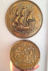 Antique Brass Wall Plates Extraordinary 32 VINTAGE ANTIQUE BRASS HANGING WALL PLATES PLAQUES TAVERN SHIP