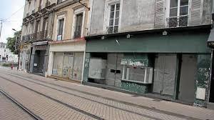 """Résultat de recherche d'images pour """"magasins fermes"""""""