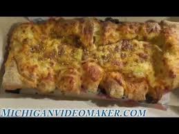Dominos Bacon Jalapenos Stuffed Cheesy Bread Review Youtube