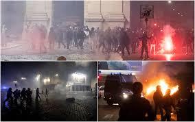 Coronavirus, scontri a Roma durante una manifestazione a piazza del Popolo.  LE FOTO