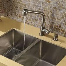 Pull Out Spray Kitchen Faucets Vigo Avondale Single Handle Pull Out Spray Kitchen Faucet With