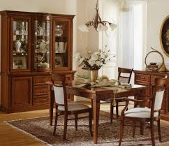 Decorating A Kitchen Table Traditional Home Decor Breakingdesignnet