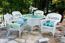 tortuga outdoor portside 5 piece wicker dining set coastal white with haliwell caribbean cushions