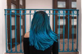 髪色は青に染めるブルー系ヘアカラーまとめブルーブラックなど